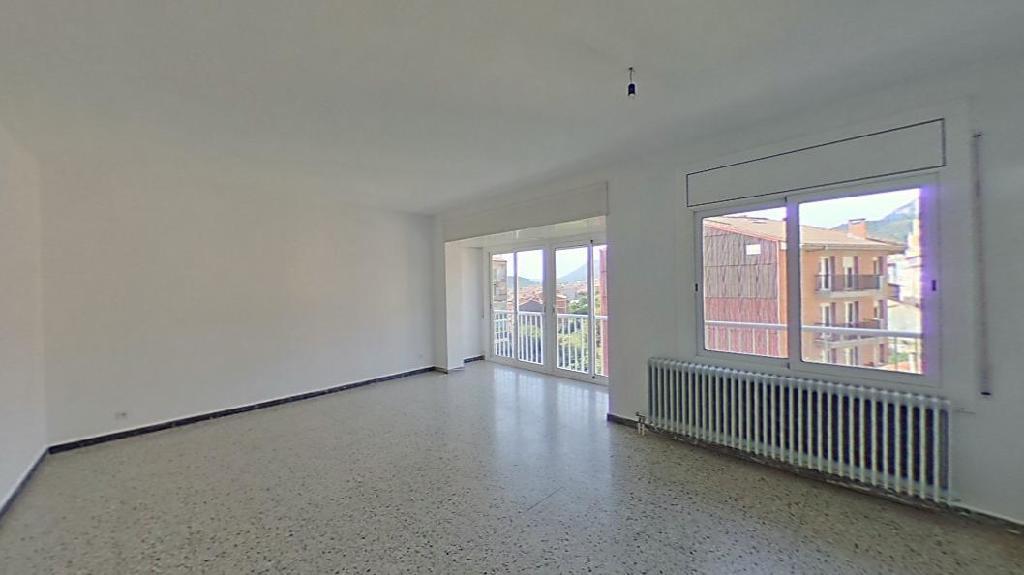Piso en venta en Berga, Barcelona, Calle Luis Millet, 103.500 €, 4 habitaciones, 2 baños, 116 m2