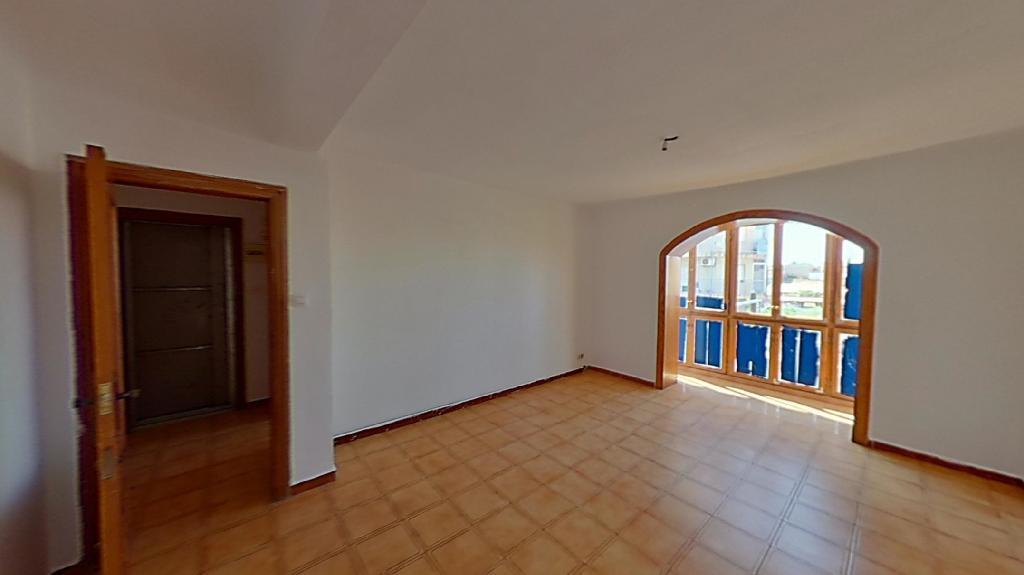 Piso en venta en Alicante/alacant, Alicante, Avenida Teulada, 66.000 €, 4 habitaciones, 1 baño, 94 m2