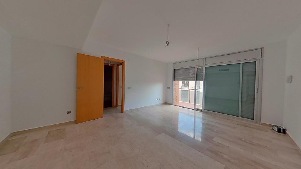 Piso en venta en Riba-roja D`ebre, Tarragona, Camino de Les Hortes, 41.000 €, 3 habitaciones, 2 baños, 109 m2