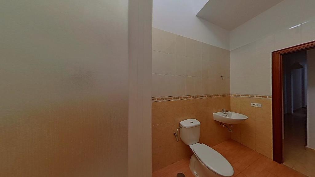 Piso en venta en Piso en la Palmas de Gran Canaria, Las Palmas, 106.000 €, 3 habitaciones, 1 baño, 86 m2