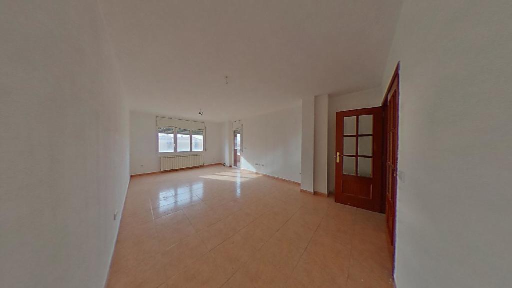 Piso en venta en Torres de Segre, Torres de Segre, Lleida, Calle Canal, 79.500 €, 3 habitaciones, 2 baños, 126 m2