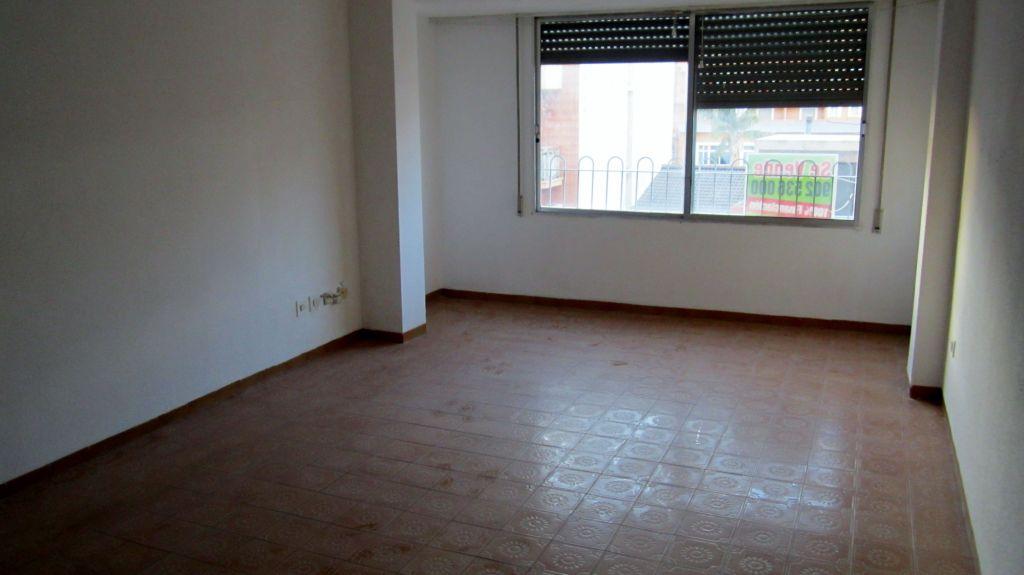 Piso en venta en Pueblo, Torreblanca, Castellón, Calle San Antonio, 59.000 €, 4 habitaciones, 2 baños, 131 m2