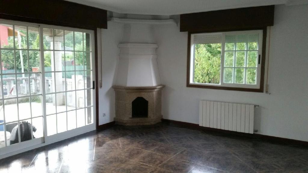 Casa en venta en Ponteareas, Pontevedra, Lugar Barxela, 133.000 €, 3 habitaciones, 1 baño, 300 m2