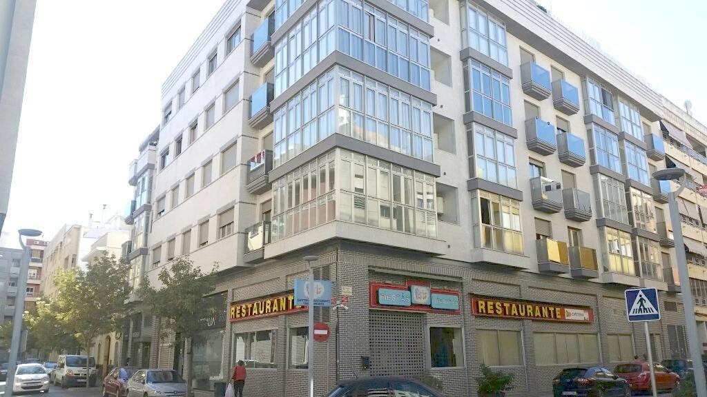 Piso en venta en Gandia, Valencia, Calle Calle Benicanena, 110.000 €, 118 m2