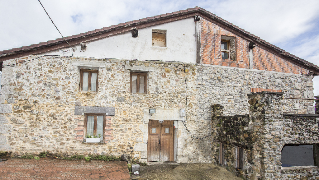 Casa en venta en Zestoa, Guipúzcoa, Calle San Joan Kalea, 145.000 €, 3 habitaciones, 2 baños, 160 m2