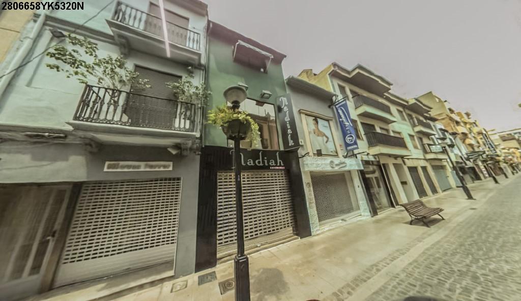 Casa en venta en Castellón de la Plana/castelló de la Plana, Castellón, Calle Alloza, 364.000 €, 1 baño, 305 m2
