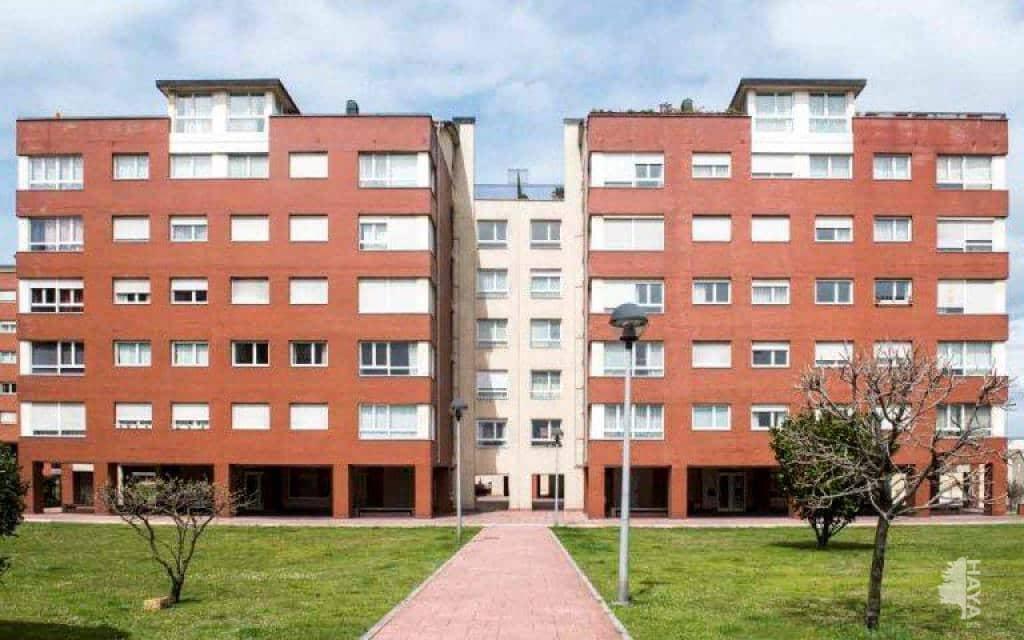 Piso en venta en Nueva Montaña, Santander, Cantabria, Avenida Nueva Montaña, 115.000 €, 3 habitaciones, 2 baños, 96 m2