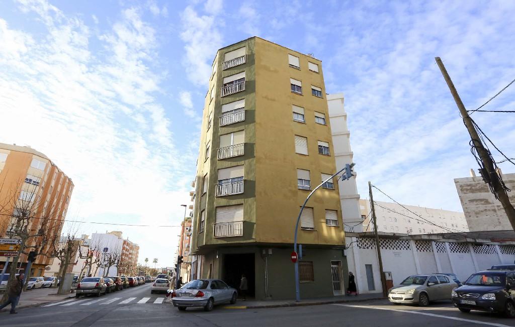Piso en venta en Burriana, Castellón, Avenida Pedro Iv, 38.000 €, 3 habitaciones, 2 baños, 100 m2