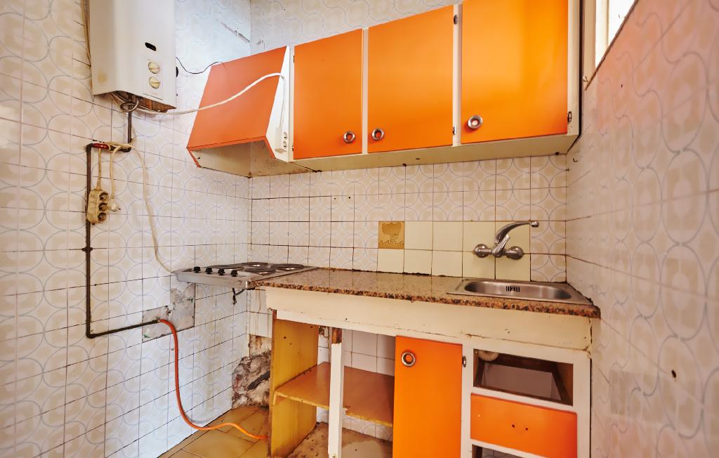 Piso en venta en Badalona, Barcelona, Calle Enric Granados, 63.000 €, 2 habitaciones, 1 baño, 47 m2