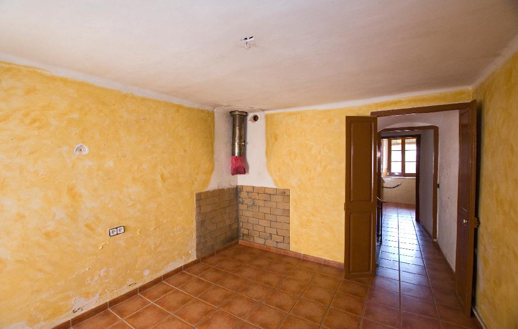Casa en venta en Piera, Barcelona, Calle Nostra Senyora de la Salut, 77.000 €, 3 habitaciones, 1 baño, 161 m2
