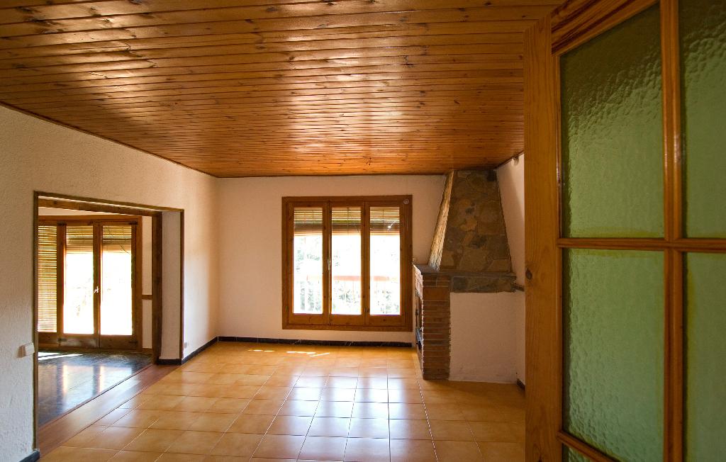 Piso en venta en Pontons, Barcelona, Calle de L`esglesia, 48.000 €, 1 habitación, 2 baños, 108 m2