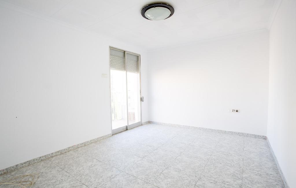 Piso en venta en Urbanización Nueva Onda, Onda, Castellón, Calle Cervantes, 21.000 €, 4 habitaciones, 1 baño, 102 m2