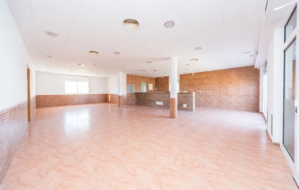 Casa en venta en Canyelles, Barcelona, Avenida Asturias, 175.000 €, 3 habitaciones, 2 baños, 274 m2
