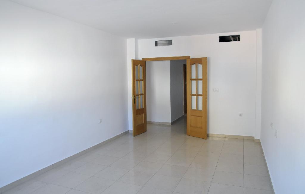Piso en venta en Archena, Murcia, Calle Comendador Frey Luis de Paz, 70.000 €, 3 habitaciones, 2 baños, 99 m2