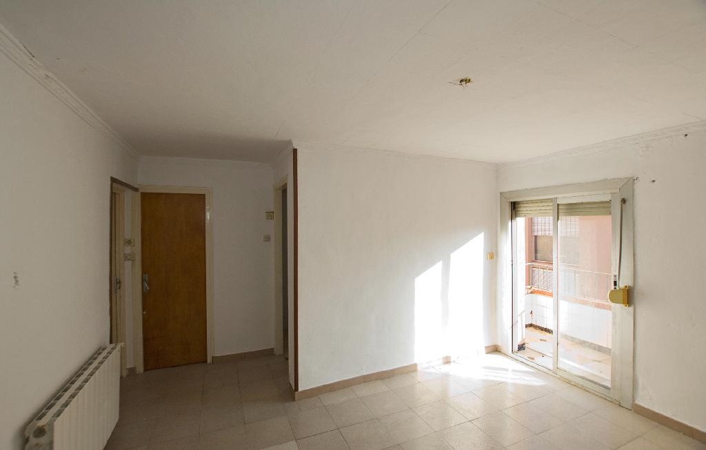 Piso en venta en Sallent, Barcelona, Calle Gr Verge de Fussimanya, 18.000 €, 3 habitaciones, 1 baño, 50 m2