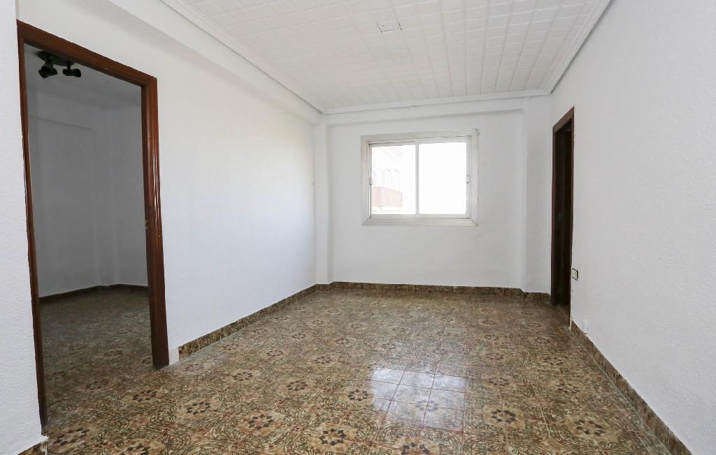 Piso en venta en Valencia, Valencia, Calle Daroca, 30.000 €, 3 habitaciones, 1 baño, 59 m2