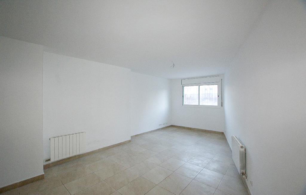 Piso en venta en Piera, Barcelona, Calle Josep Vidal, 93.000 €, 3 habitaciones, 2 baños, 93 m2