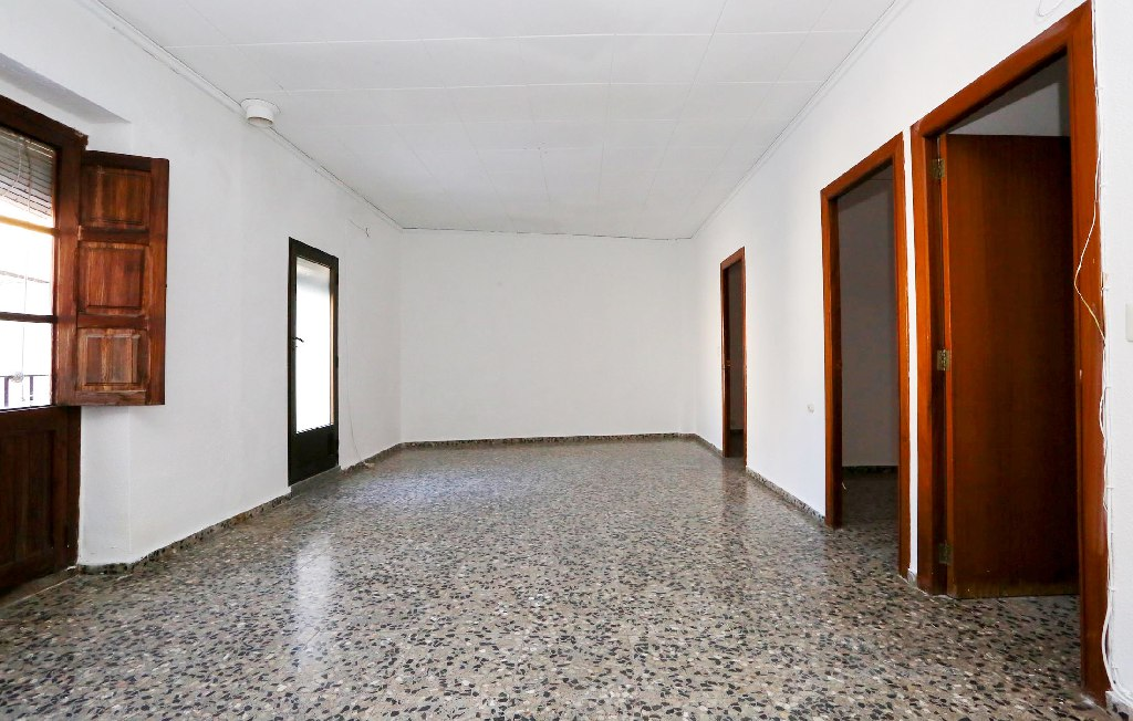 Casa en venta en Carcaixent, Valencia, Calle Benlliure, 73.000 €, 4 habitaciones, 2 baños, 95 m2