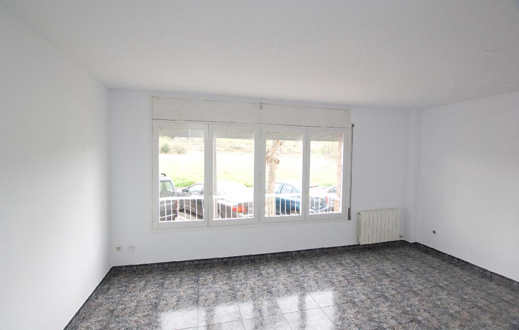 Piso en venta en Artés, Barcelona, Calle Salvador Dali, 85.000 €, 4 habitaciones, 2 baños, 129 m2