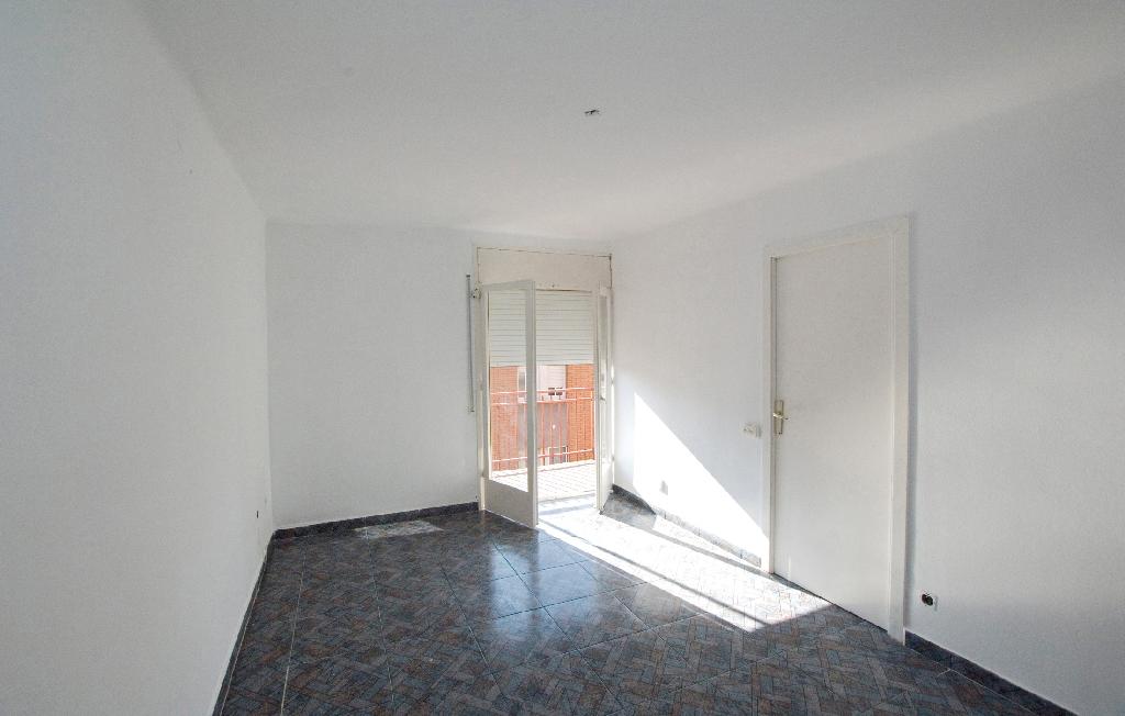 Piso en venta en Artés, Barcelona, Calle Bruc, 37.000 €, 3 habitaciones, 1 baño, 75 m2