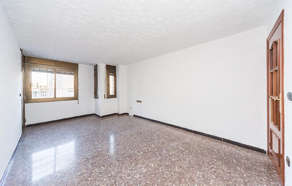 Piso en venta en Badalona, Barcelona, Calle Sevilla, 95.000 €, 4 habitaciones, 1 baño, 90 m2
