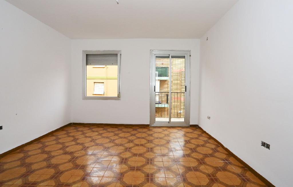 Piso en venta en Alaquàs, Valencia, Calle Musica, 37.500 €, 3 habitaciones, 1 baño, 70 m2