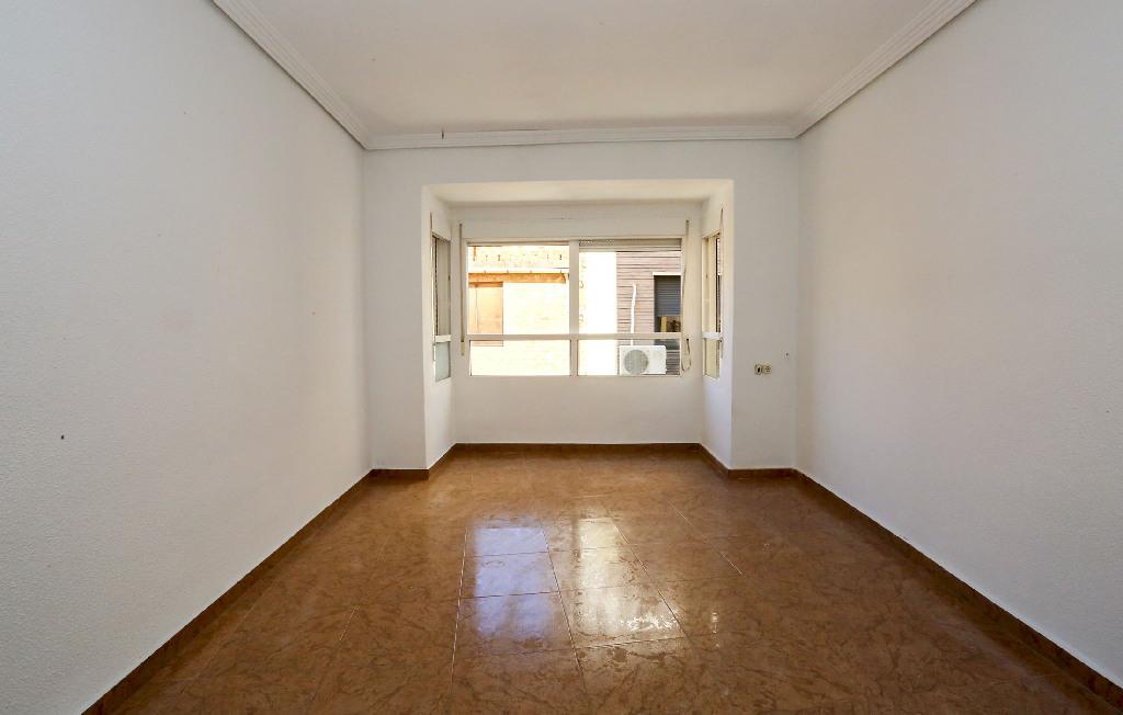 Piso en venta en Vila-real, Castellón, Calle San Miguel, 25.500 €, 3 habitaciones, 1 baño, 97 m2