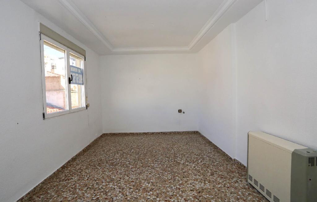 Piso en venta en Caudete, Albacete, Calle Antonio Conejero Ruiz, 22.000 €, 3 habitaciones, 2 baños, 127 m2