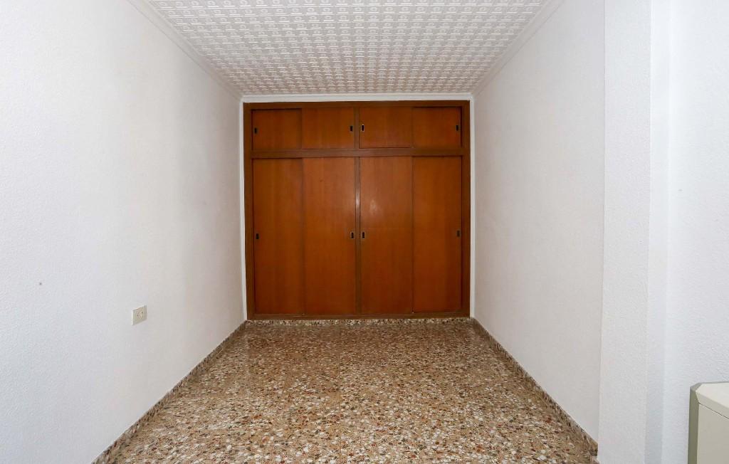 Piso en venta en Piso en Caudete, Albacete, 17.000 €, 4 habitaciones, 2 baños, 127 m2