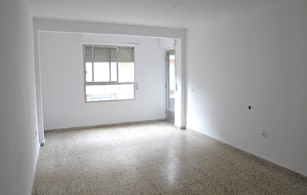 Piso en venta en Callosa de Segura, Alicante, Avenida Constitución, 51.000 €, 4 habitaciones, 1 baño, 106 m2