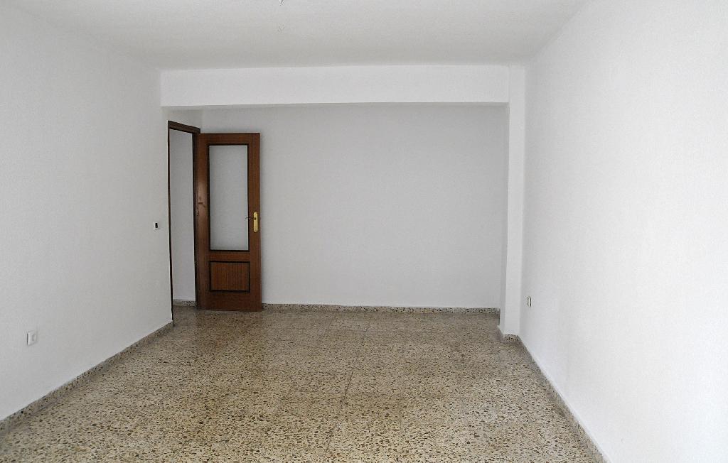 Piso en venta en Piso en Callosa de Segura, Alicante, 56.500 €, 4 habitaciones, 1 baño, 107 m2