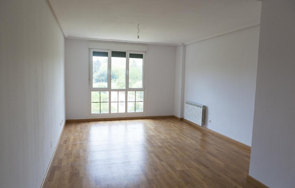 Piso en venta en Briviesca, Burgos, Calle Arenal, 51.500 €, 4 habitaciones, 2 baños, 141 m2
