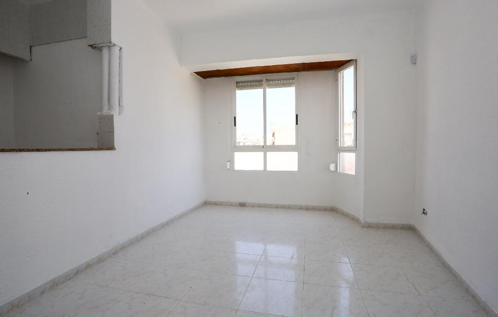 Piso en venta en Benicarló, Castellón, Calle San Isidro, 17.000 €, 2 habitaciones, 1 baño, 52 m2