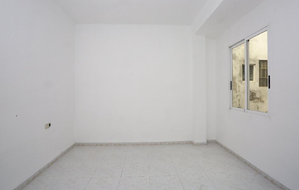 Piso en venta en Benicarló, Castellón, Calle San Isidro, 14.000 €, 2 habitaciones, 1 baño, 52 m2