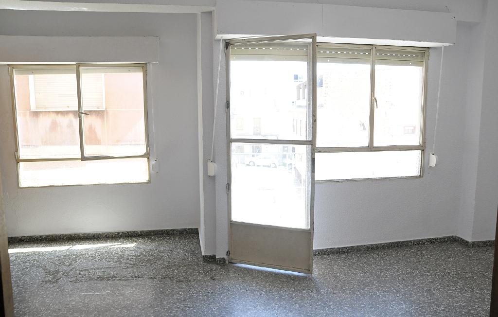 Piso en venta en Molina de Segura, Murcia, Calle Viriato, 40.000 €, 4 habitaciones, 1 baño, 130 m2