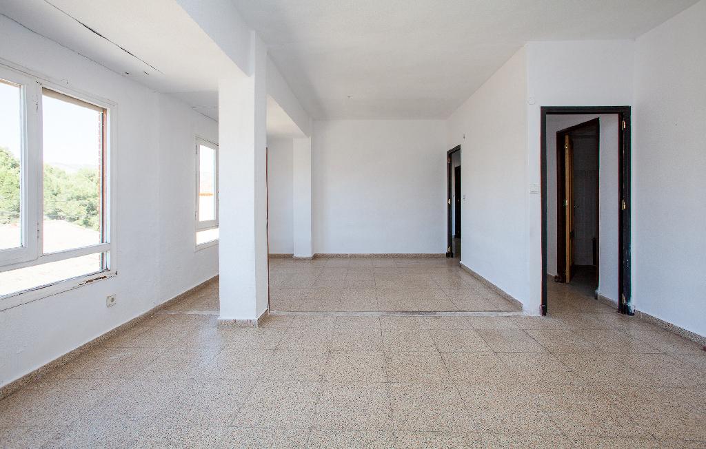 Piso en venta en Sax, Alicante, Calle Luis Barcelo, 25.000 €, 3 habitaciones, 2 baños, 111 m2