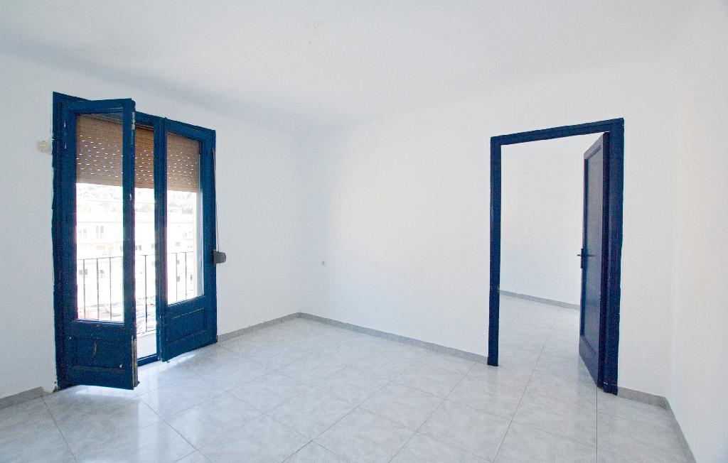 Piso en venta en Castellbell I El Vilar, Barcelona, Calle Bures, 43.500 €, 2 habitaciones, 1 baño, 64 m2