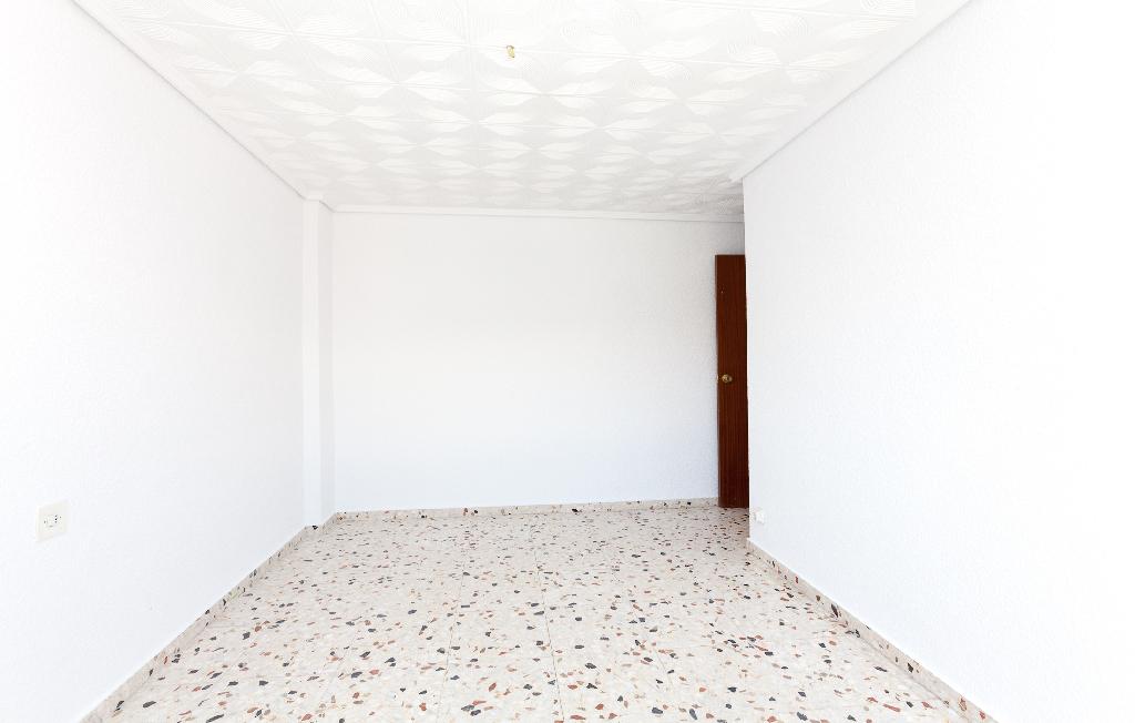 Piso en venta en Piso en Algueña, Alicante, 16.000 €, 3 habitaciones, 2 baños, 130 m2