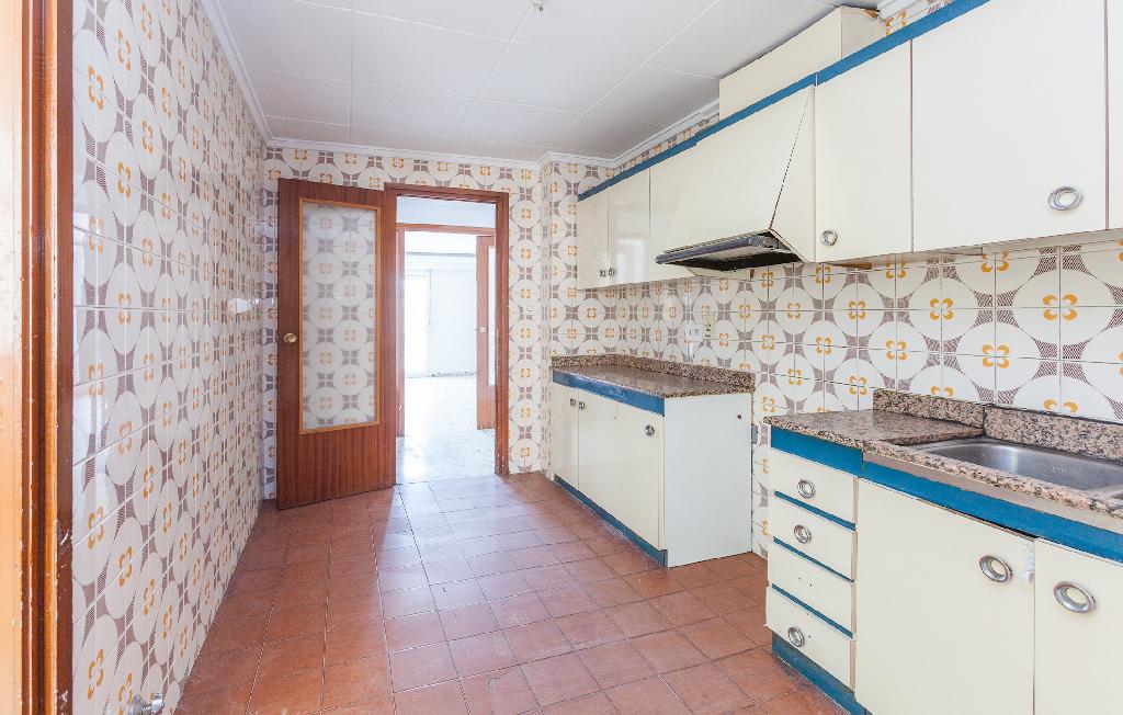 Piso en venta en Algueña, Algueña, Alicante, Calle Capitan Cortes, 16.000 €, 3 habitaciones, 2 baños, 130 m2