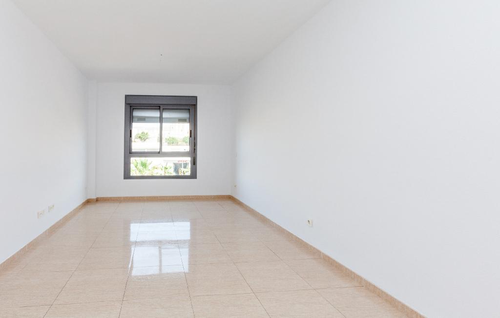 Piso en venta en Almería, Almería, Carretera Granada Segundo Tramo, 85.000 €, 3 habitaciones, 1 baño, 97 m2