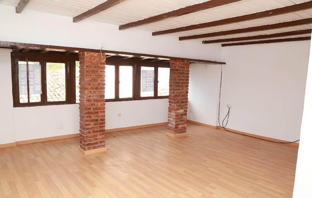 Casa en venta en Lena, Asturias, Calle Felipe Canseco, 45.500 €, 3 habitaciones, 1 baño, 86 m2