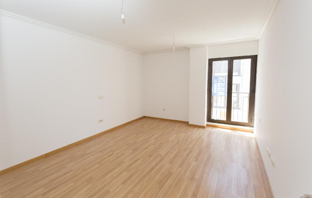 Piso en venta en Castellanos de Moriscos, Salamanca, Camino de los Moriscos, 75.000 €, 3 habitaciones, 1 baño, 103 m2