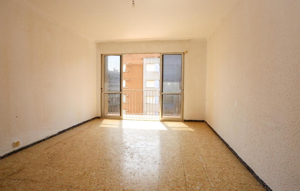 Piso en venta en Benicarló, Castellón, Avenida Cataluña, 49.000 €, 3 habitaciones, 1 baño, 85 m2