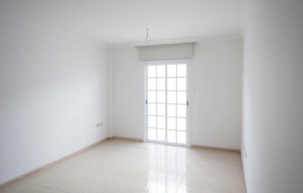Piso en venta en La Matanza de Acentejo, Santa Cruz de Tenerife, Carretera General, 85.000 €, 3 habitaciones, 1 baño, 118 m2