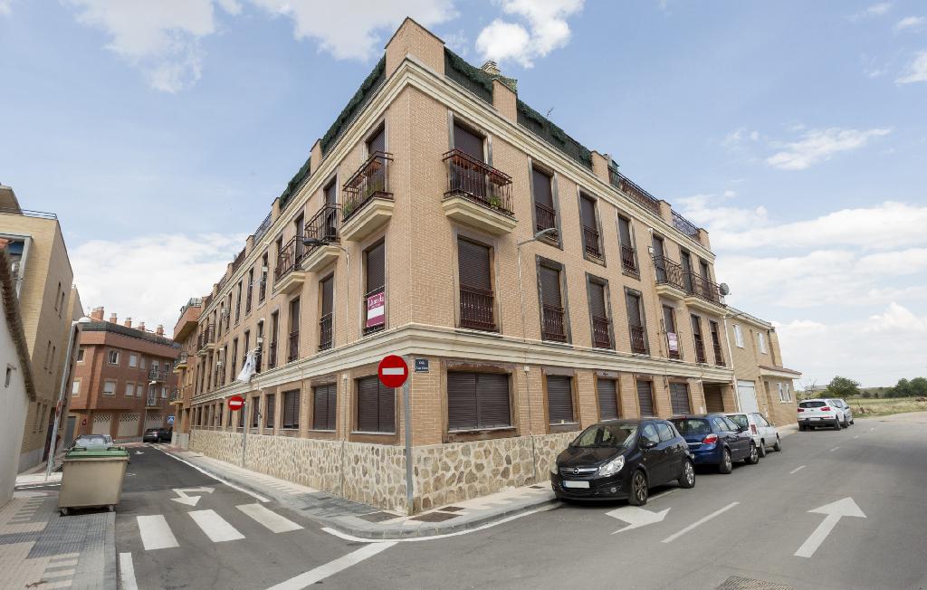 Piso en venta en Castellanos de Moriscos, Salamanca, Calle Juan Curto, 67.000 €, 2 habitaciones, 2 baños, 76 m2
