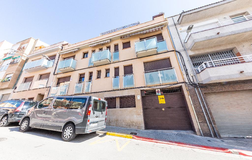 Parking en venta en Sabadell, Barcelona, Calle Turina, 2.400 €, 21 m2