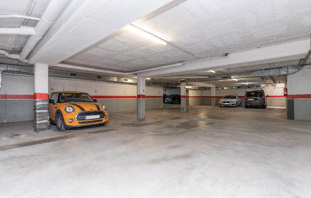 Parking en venta en Parking en Sabadell, Barcelona, 2.400 €, 21 m2