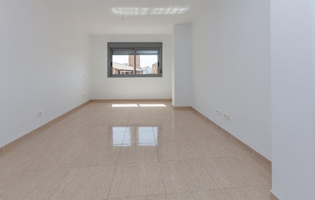 Piso en venta en Almería, Almería, Carretera de Granada, 79.000 €, 2 habitaciones, 1 baño, 75 m2