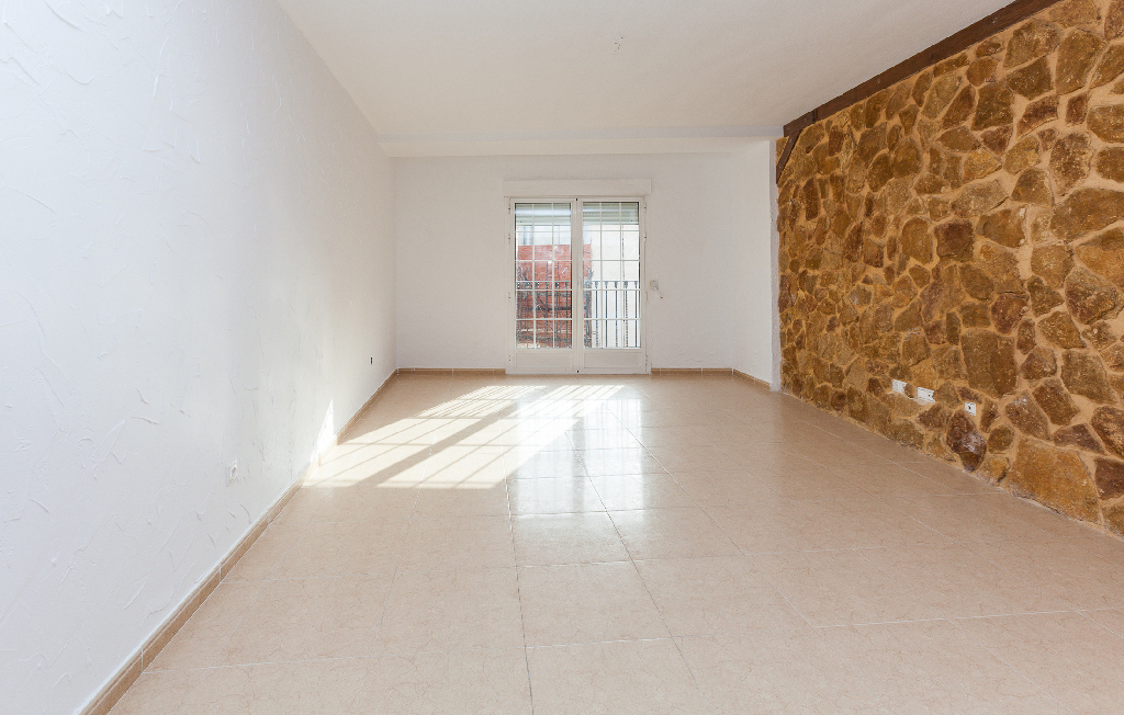 Piso en venta en Dolores, Alicante, Calle San Vicente, 53.000 €, 3 habitaciones, 1 baño, 107 m2