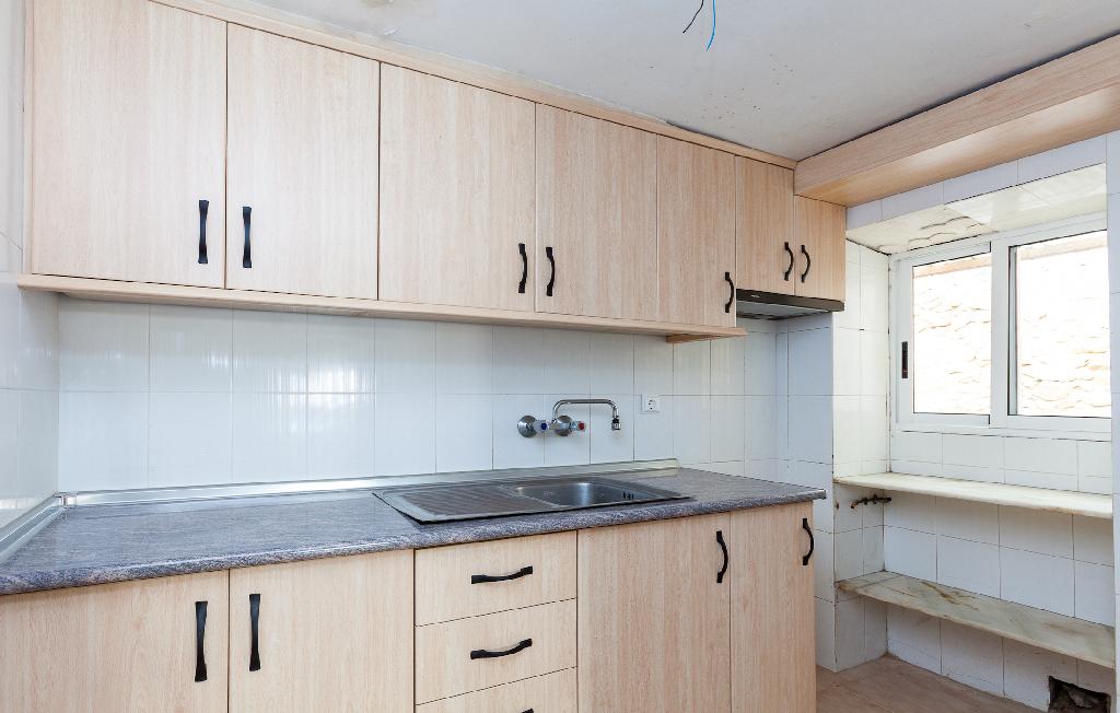 Casa en venta en Castalla, Alicante, Calle Bovians, 20.500 €, 6 habitaciones, 1 baño, 140 m2